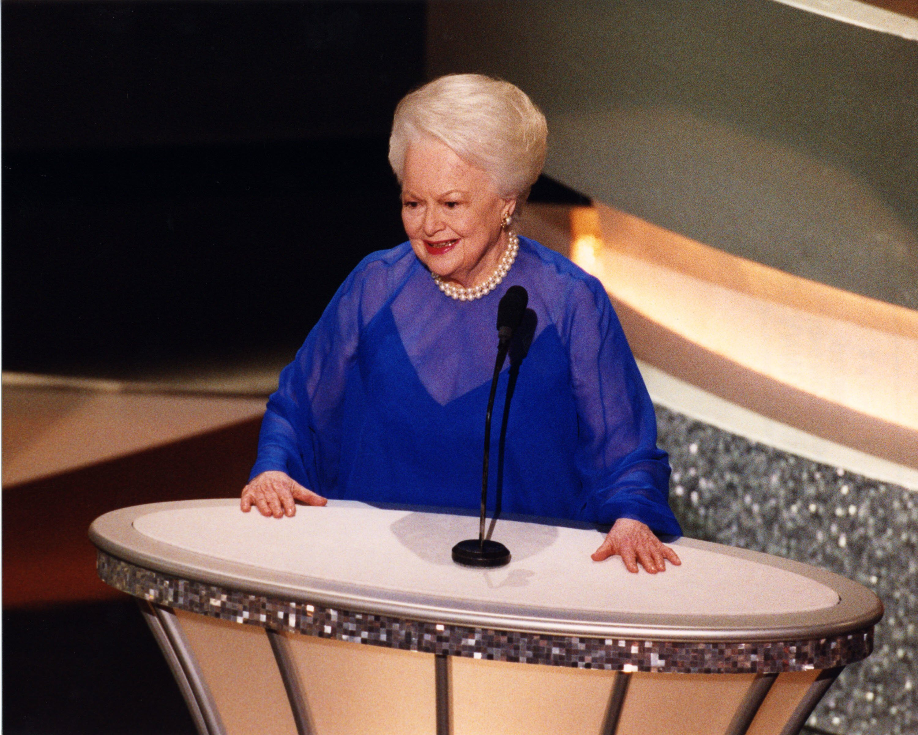 Two-time Best Actress winner Olivia de Havilland announced the 75th Anniversary reunion segment.