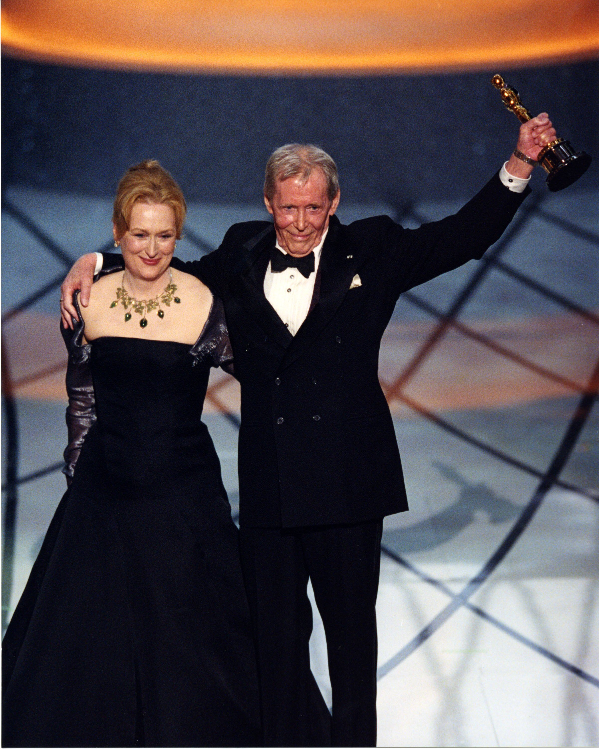 Honorary Award winner Peter O'Toole with presenter Meryl Streep.