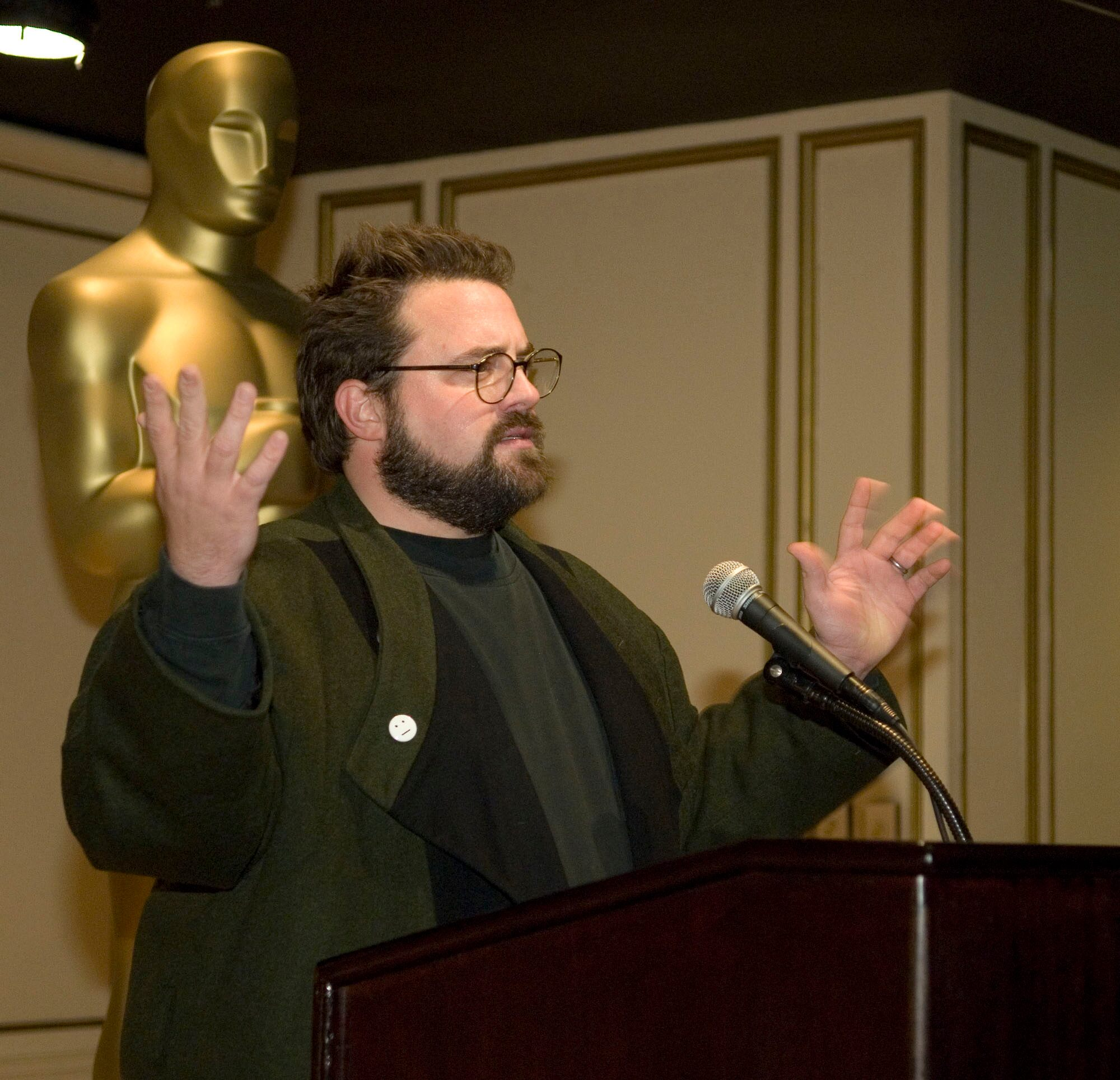 Writer-director Kevin Smith gives the keynote.