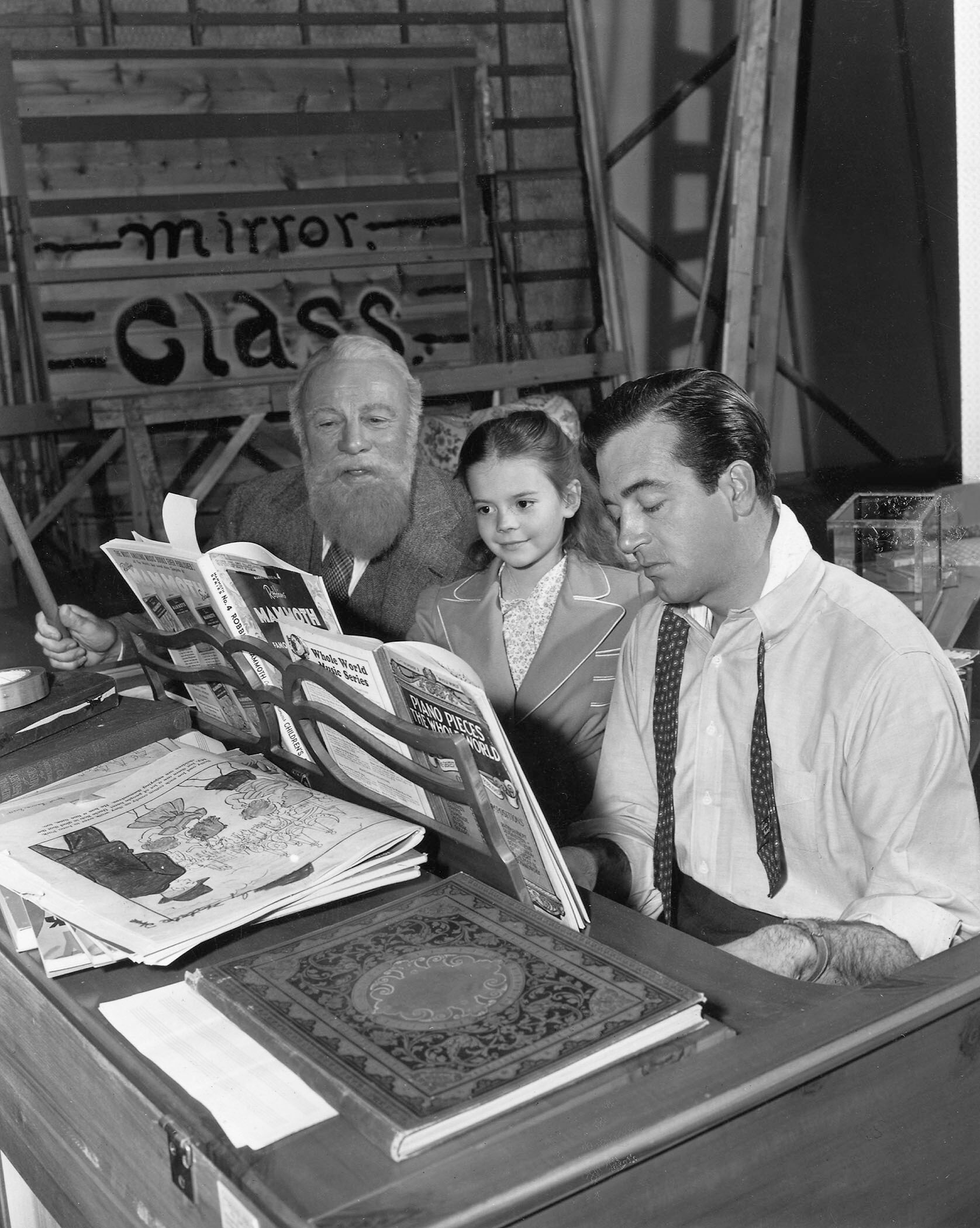 Edmund Gwenn, Natalie Wood, and John Payne