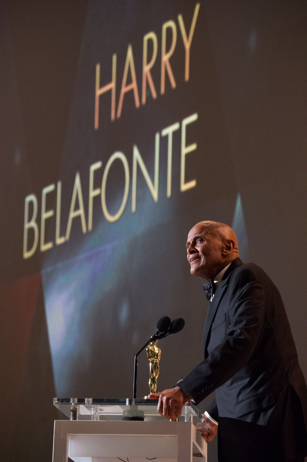 Jean Hersholt Humanitarian Award to Harry Belafonte during the 2014 Governors Awards