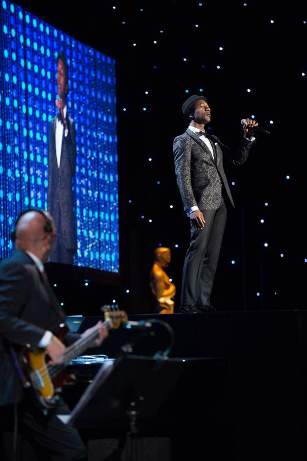 Aloe Blacc performs a tribute for Honorary Award recipient Spike Lee at the 2015 Governors Awards