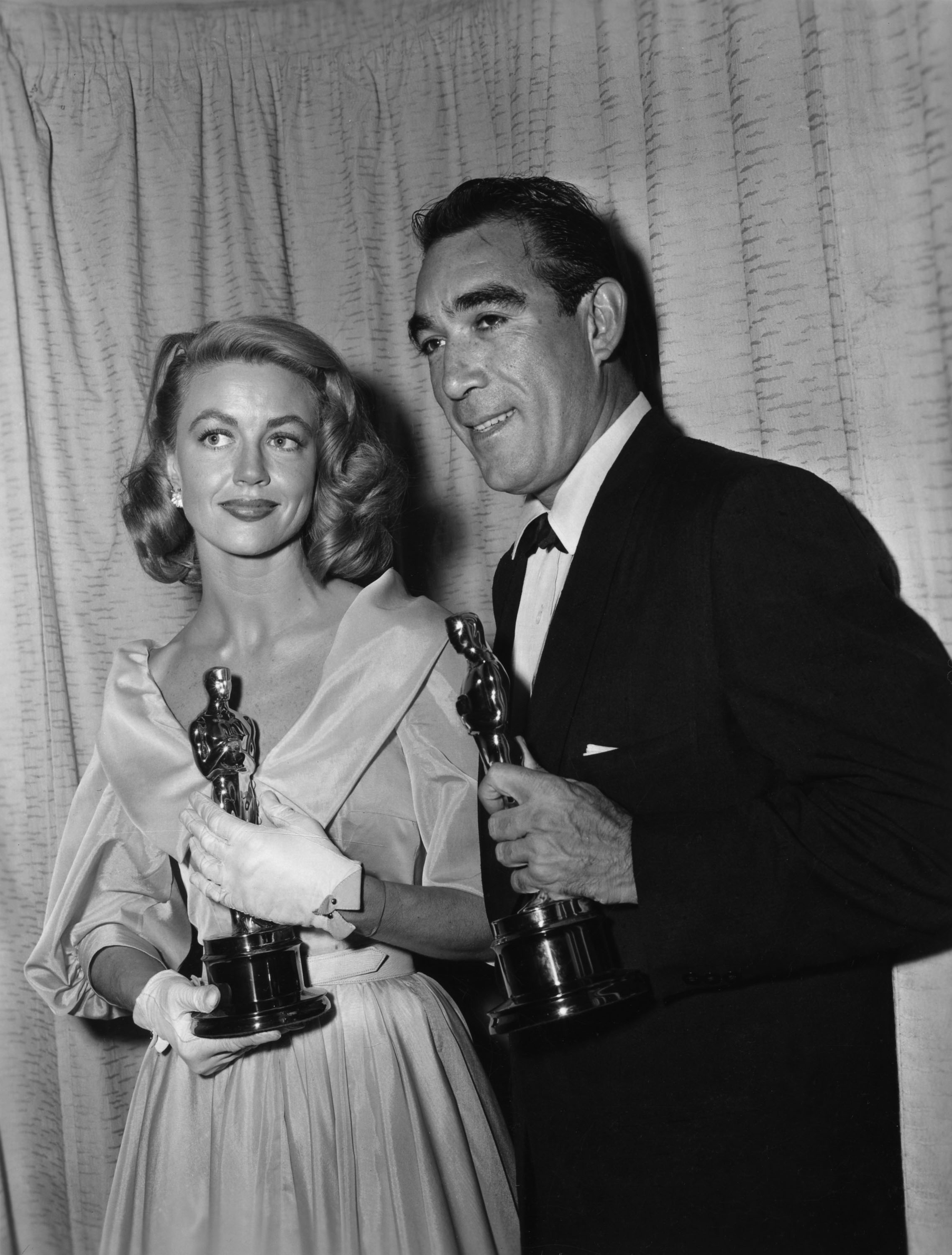 Dorothy Malone and Anthony Quinn