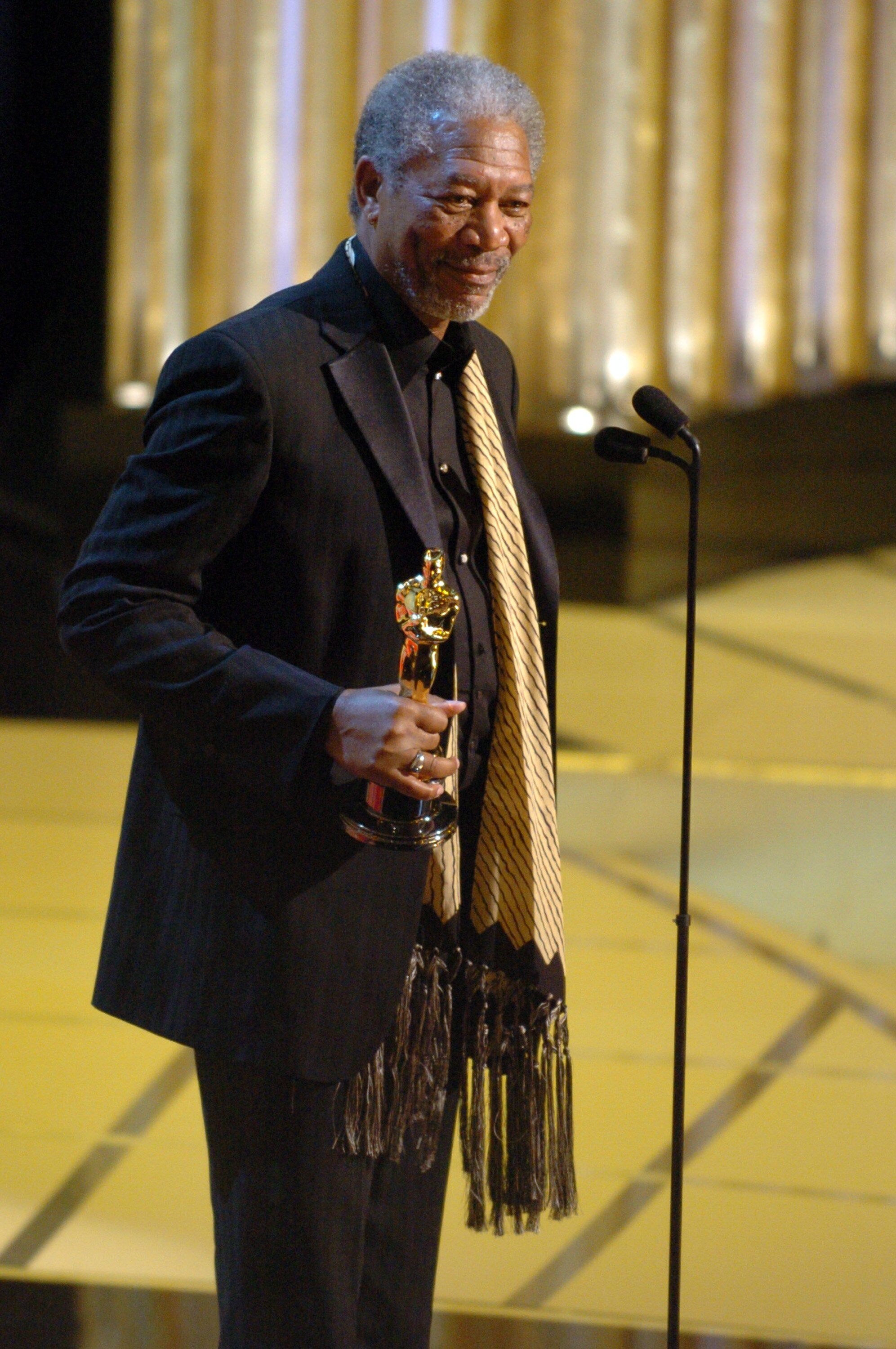 Morgan Freeman accepts the Academy Award for Best Supporting Actor.