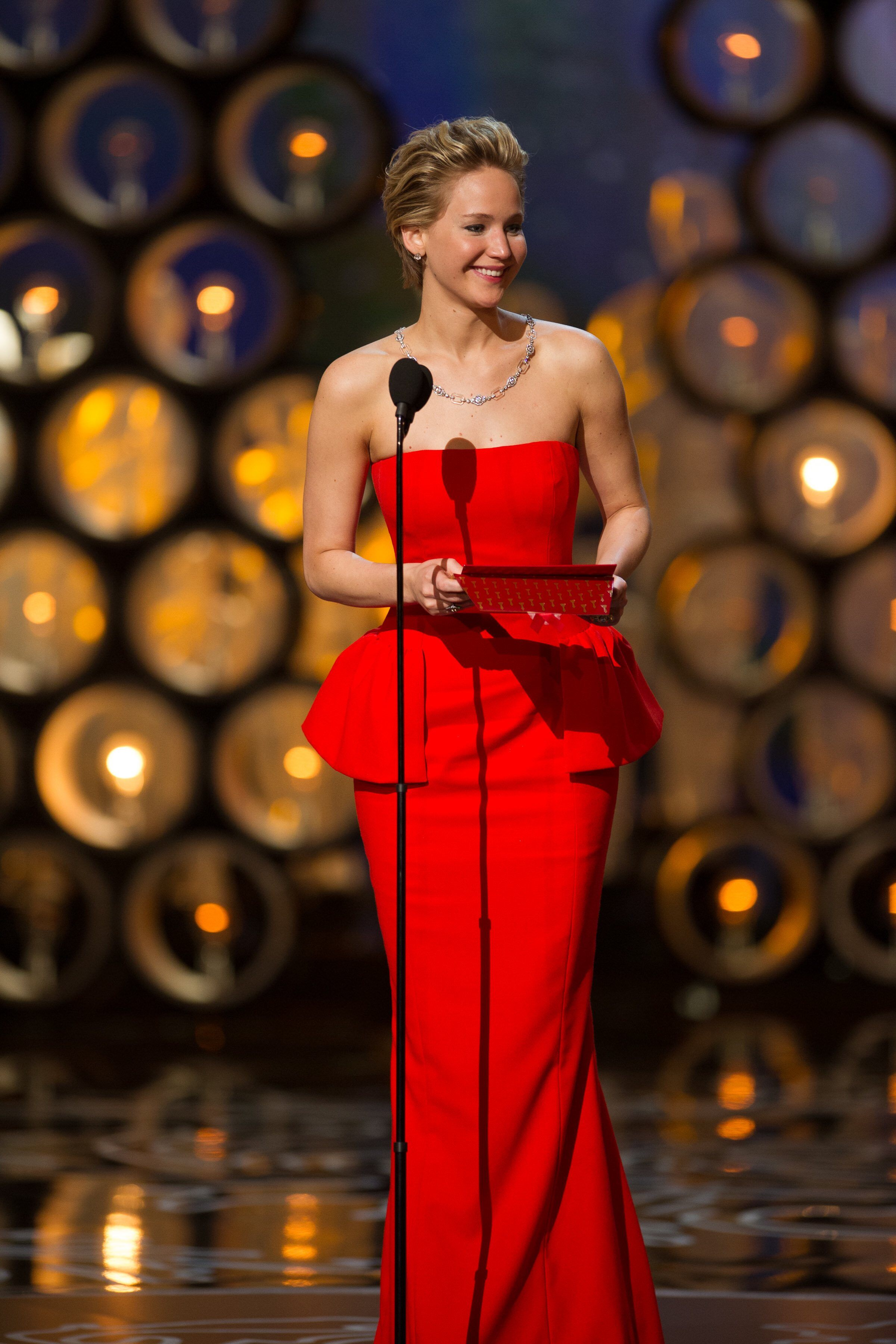 """Presenter and Oscar® Nominee for Best Actress in a supporting role for her work in """"American Hustle"""" Jennifer Lawrence."""