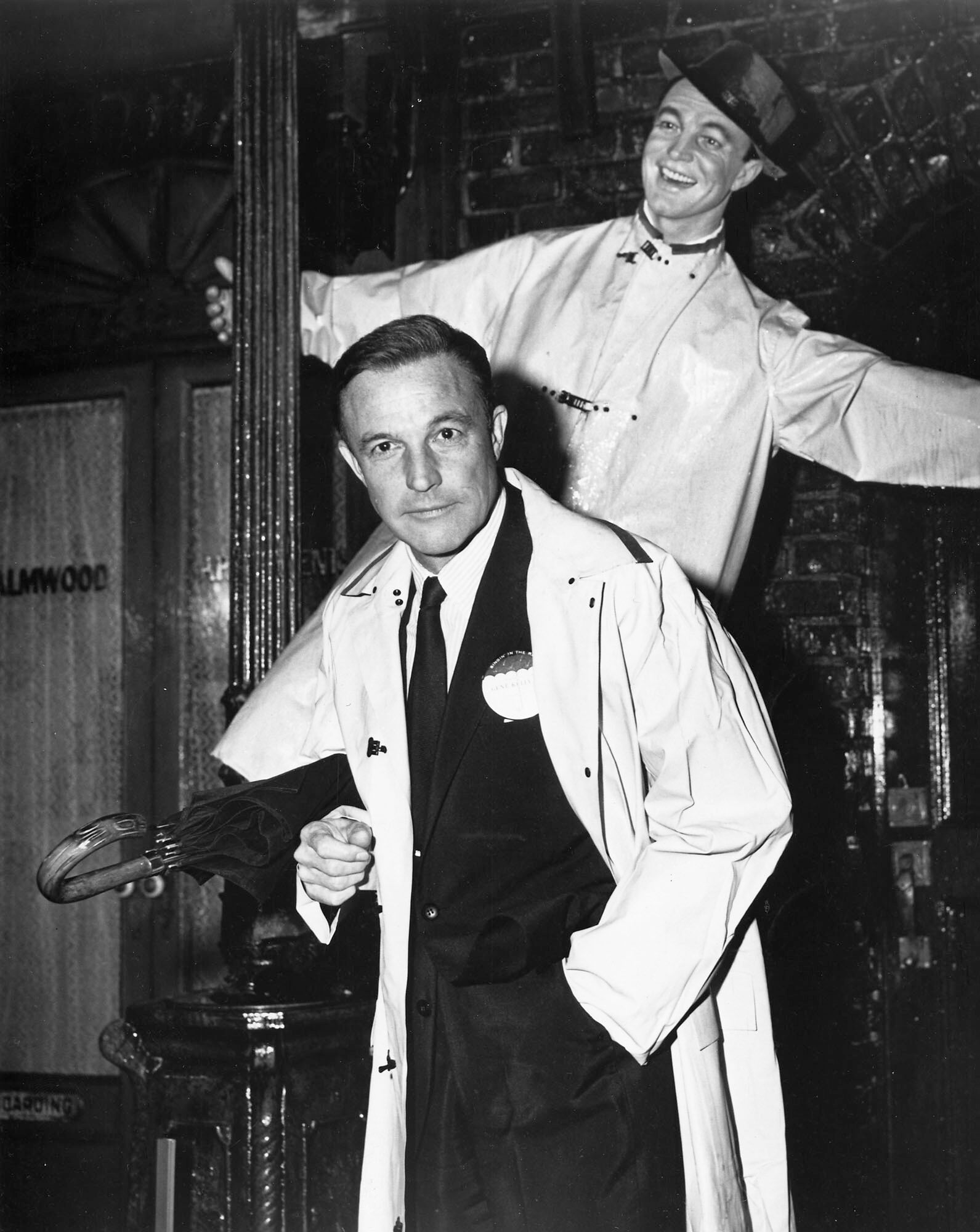 Gene Kelly in front of his most famous movie moment
