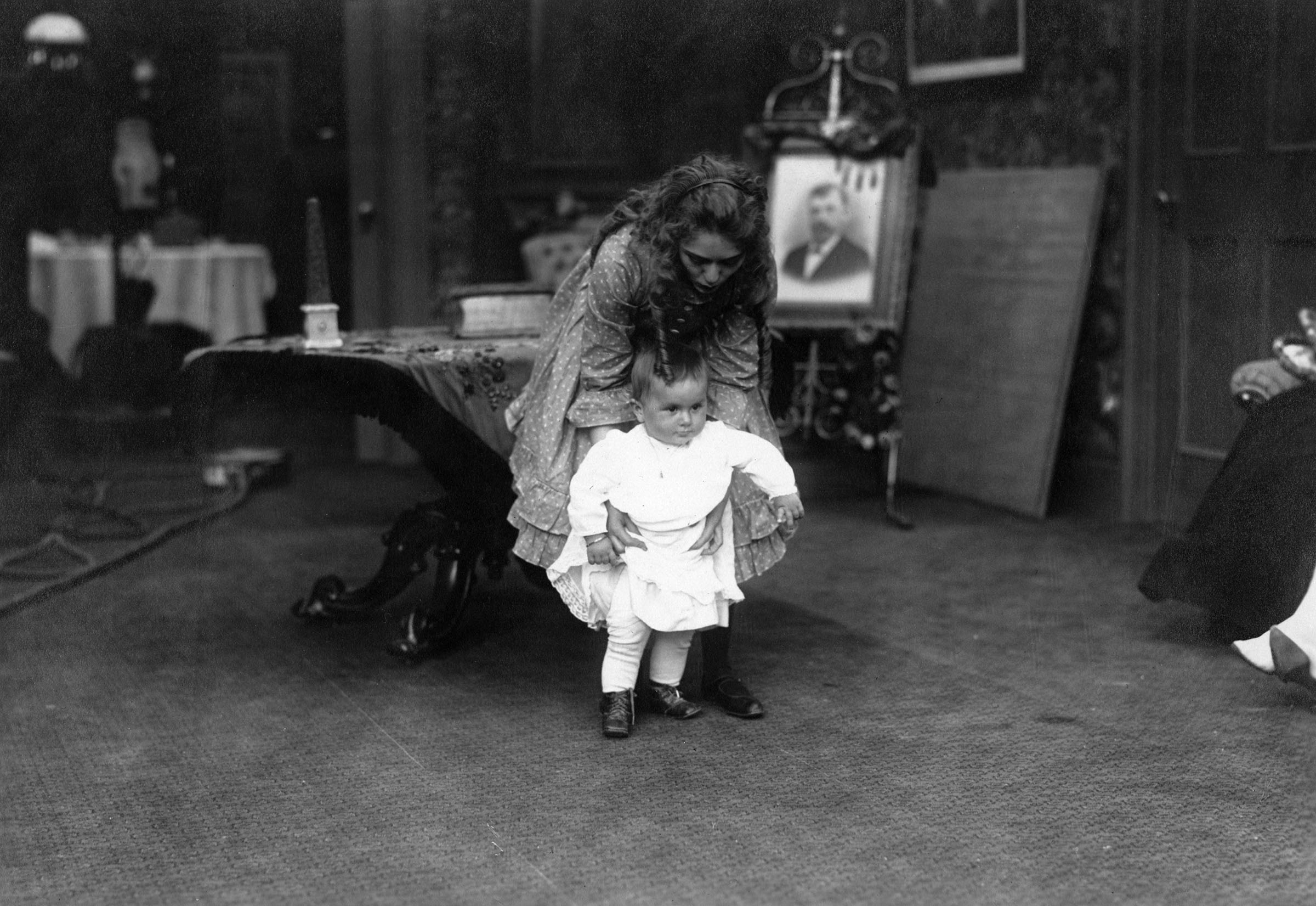 Mary Pickford on the set with daughter Gwynne