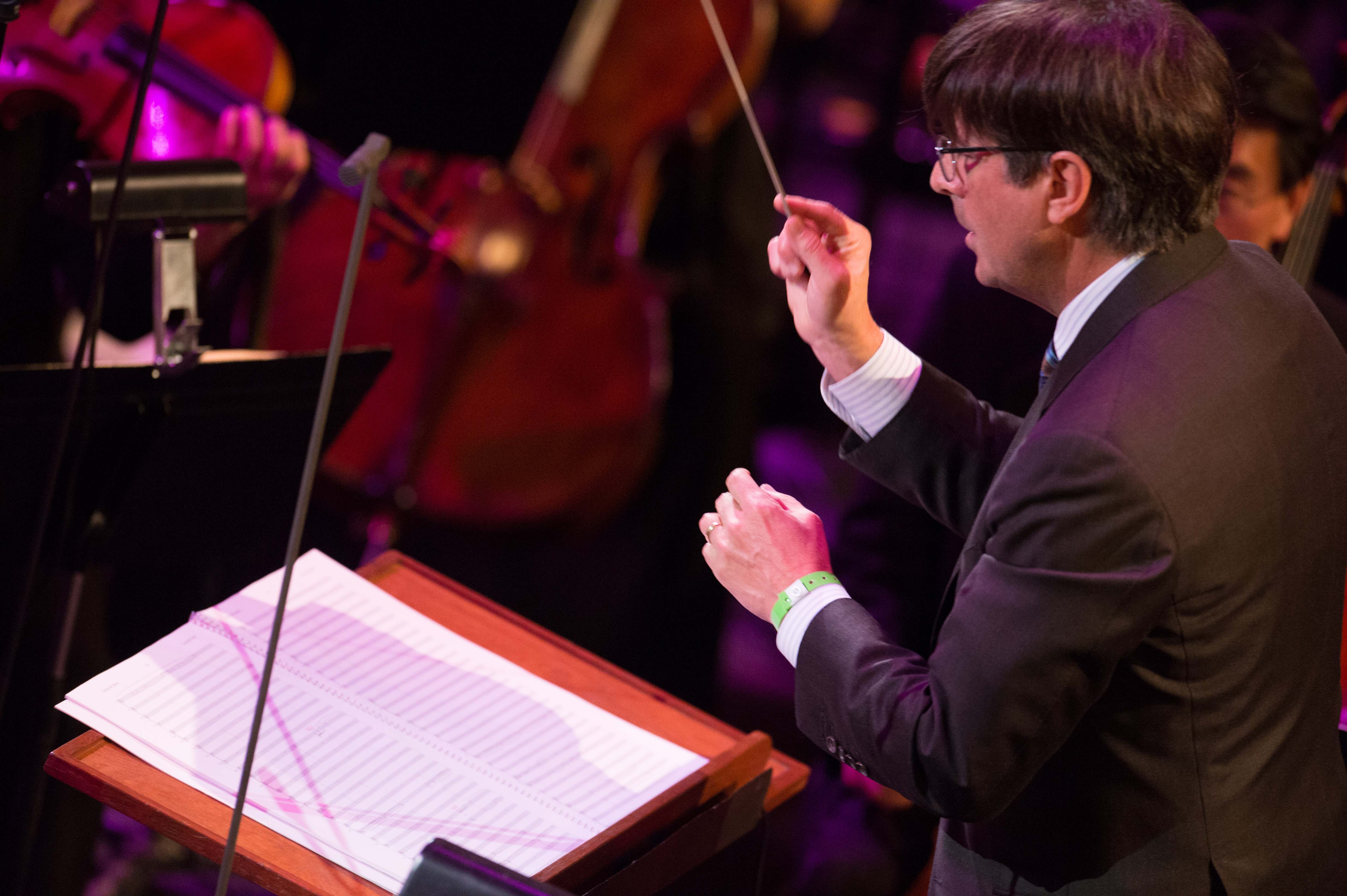 "Composer Thomas Newman conducts ""Saving Mr. Banks"""