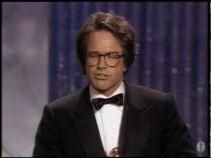 "Warren Beatty ‪winning Best Director for ""Reds"""