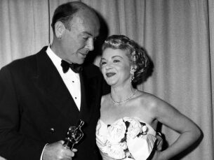 "Dean Jagger winning Best Supporting Actor for ""Twelve O'Clock High"""