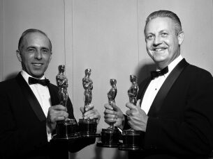 "Robert Wise and Jerome Robbins ‪winning Oscars® for Directing ""West Side Story"""