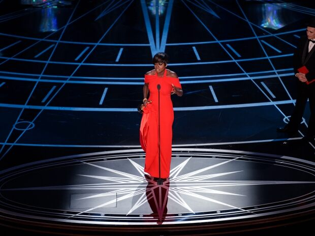 viola davis wins best supporting actress oscars 89